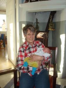 Gammelmormor med liten kotte, svårt att veta vem :)